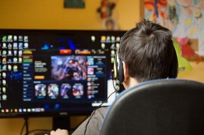 האם משחקי המחשב גורמים לילדים להיות אלימים יותר?